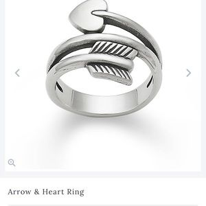 Size 8 heart ring